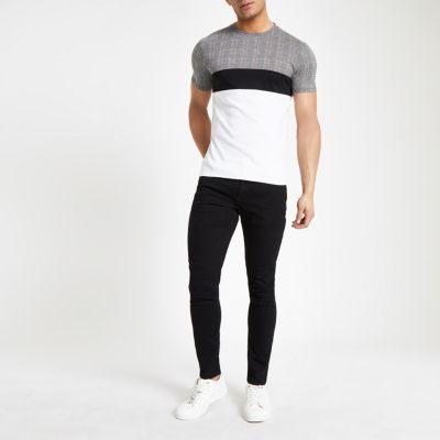 b0bb07e8b Shoptagr | White Check Print Muscle Fit T Shirt by River Island