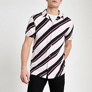 Chemise rose rayée à manches courtes