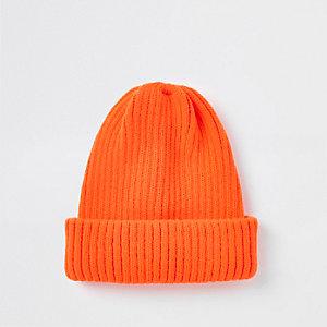 Bonnet en maille orange fluo style pêcheur