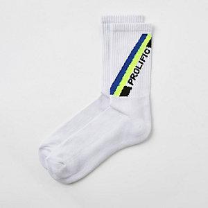 Witte geborduurde 'Prolific' sokken