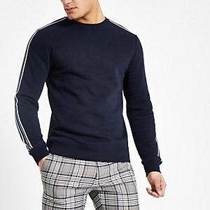 Marineblauw slim-fit sweatshirt met bies en ronde hals