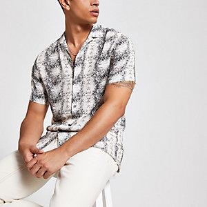 Ecru overhemd met slangenleerprint en korte mouwen