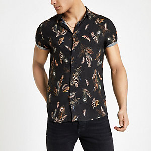 68336e306e Black feather print short sleeve shirt