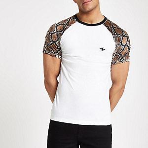 T-shirt slim à imprimé serpent blanc et manches raglan