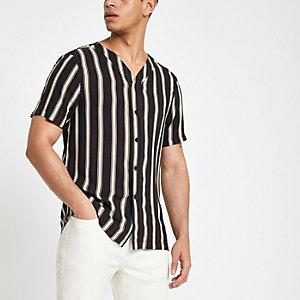Zwart gestreept overhemd met baseballhals en korte mouwen
