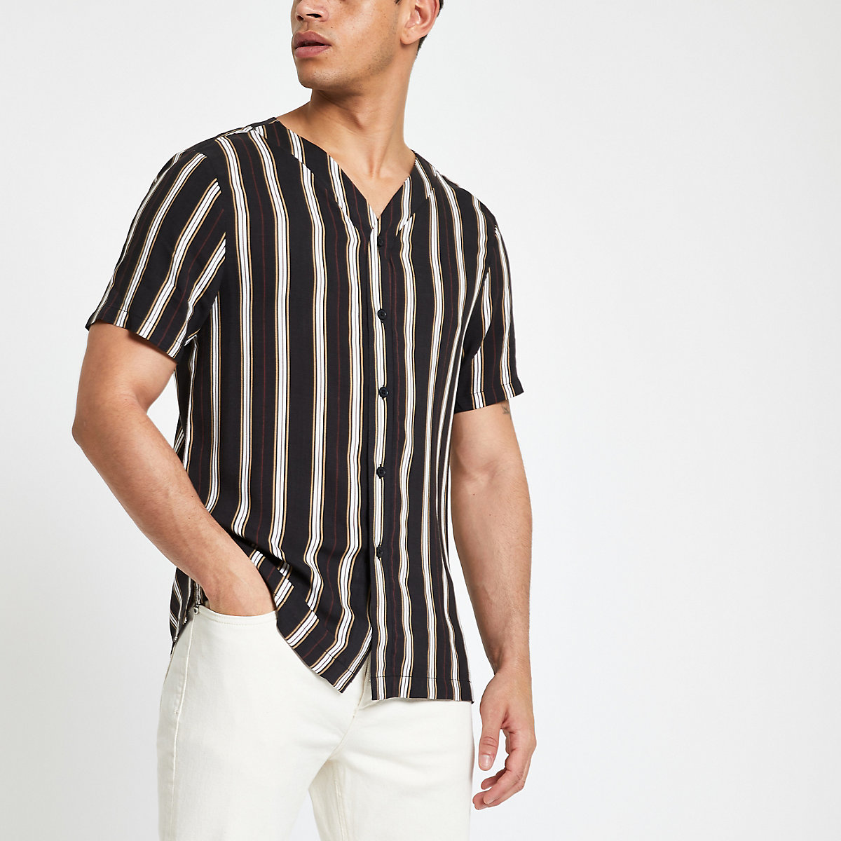 Black stripe baseball neck short sleeve shirt