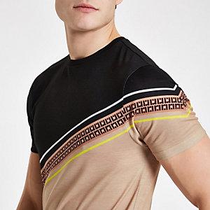 Bruin RI slim-fit T-shirt met streep