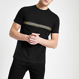 Zwart T-shirt met bies voor en achter