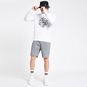 Graue Slim Fit Jersey-Shorts mit Nadelstreifen