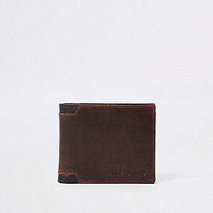 Light brown corner wallet