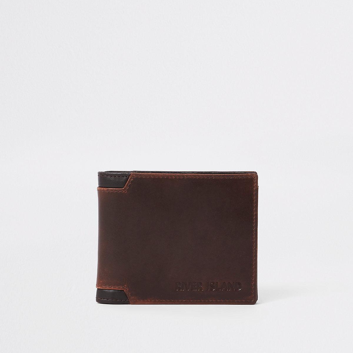 Light brown corner wallet