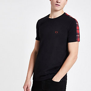 Criminal Damage – Schwarzes Slim Fit T-Shirt