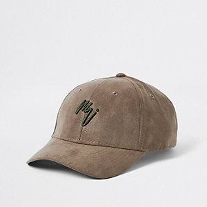 Bestickte Kappe aus Wildlederimitat in Khaki