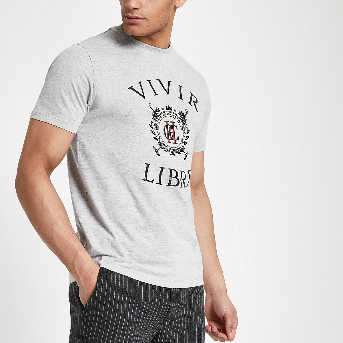 Grey slim fit 'Vivir Libre' print T-shirt