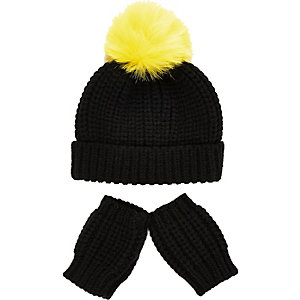 Mini boys black beanie hat mittens set