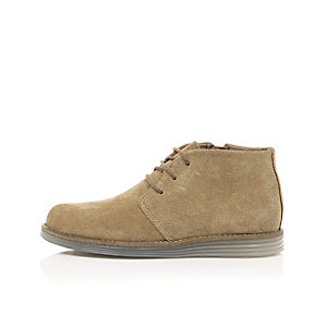 Boys beige suede clear sole desert boots