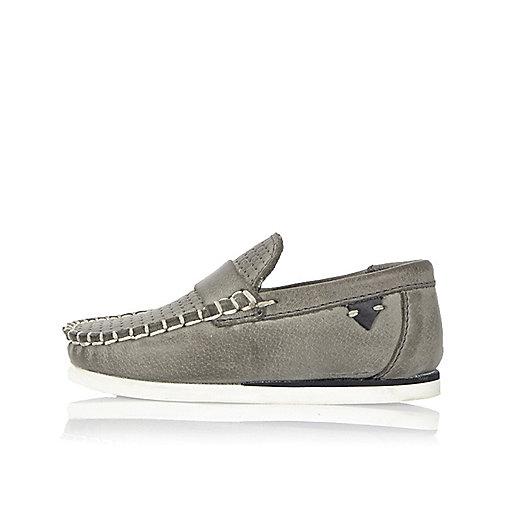 Graue Loafer aus Leder