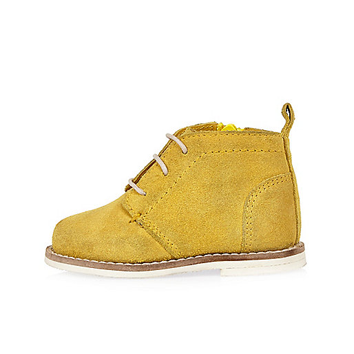 Mini boys yellow lace-up boots
