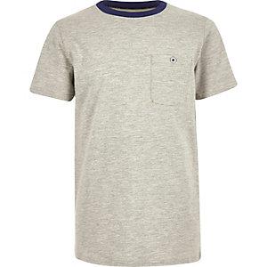 Grijs T-shirt met contrasterende halsbies voor jongens