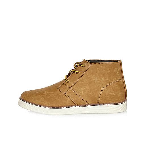Boys camel chukka boots