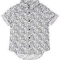 Marineblaues, bedrucktes Hemd