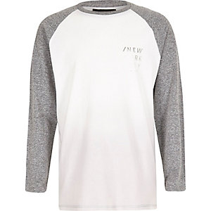 Boys white New York print raglan top