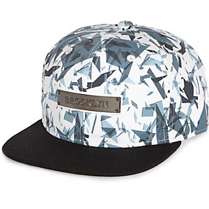 Boys white geometric Brooklyn cap