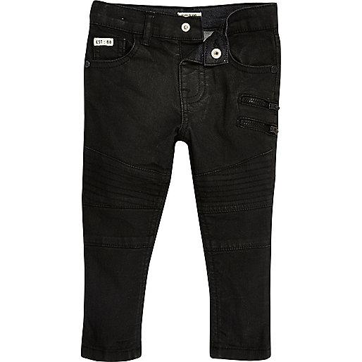 Mini für Jungen – Schwarze, beschichtete Skinny Jeans im Biker-Stil