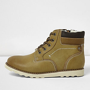 Boys brown faux fur lined boots