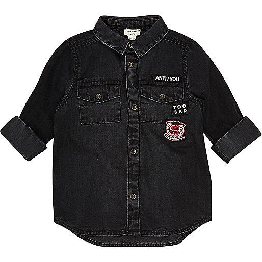 Mini boys black washed badge denim shirt