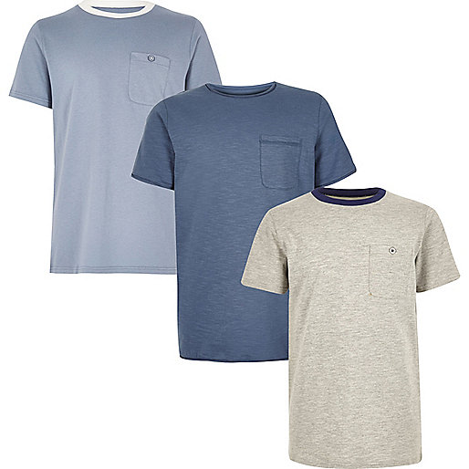 Blaue und graue T-Shirts im Multipack