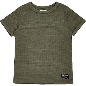 Grünes T-Shirt mit Waffelstruktur