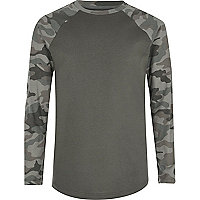 Boys khaki grey camo raglan T-shirt
