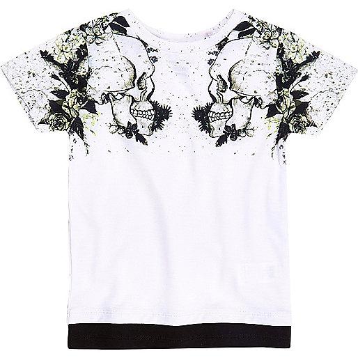 Mini boys white skull shoulder print T-shirt