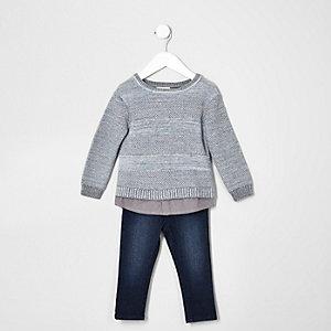Ensemble pull en maille grise et jean pour mini garçon