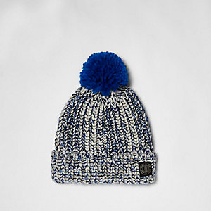 Bonnet en maille torsadée bleu pour garçon
