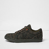 Boys khaki green camo print sneakers
