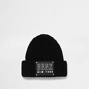 Schwarze Strick-Beanie