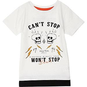 T-shirt blanc à superposition et imprimé tête de mort mini garçon