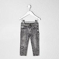 Mini boys grey acid wash Sid badge jeans