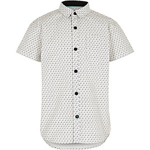 Boys white skull and crossbones shirt