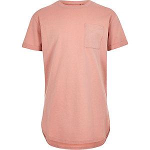Rosa T-Shirt mit abgerundetem Saum