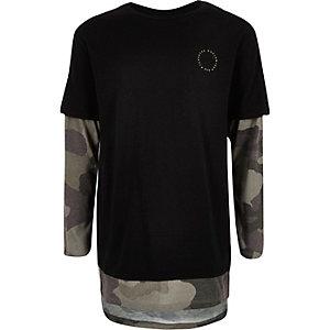 Jungen – Schwarzes T-Shirt mit Camouflage-Muster im Lagen-Look