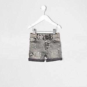Short en jean gris à écussons et taches de peinture pour mini garçon