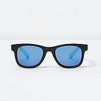 Blau verspiegelte Retro-Sonnenbrille in Schwarz