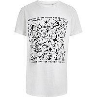 Weißes T-Shirt mit abstraktem Muster