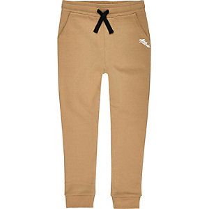 Boys brown contrast print joggers