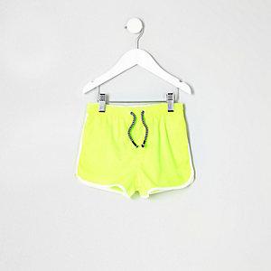 Short de bain jaune fluo style sport pour mini garçon