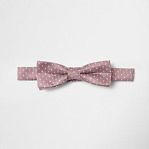 Pinke, gepunktete Krawatte