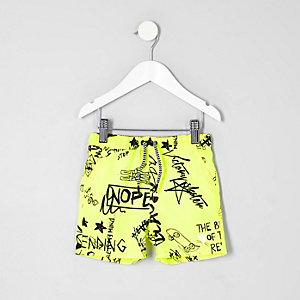 Mini - Gele zwemshort met graffitiprint voor jongens